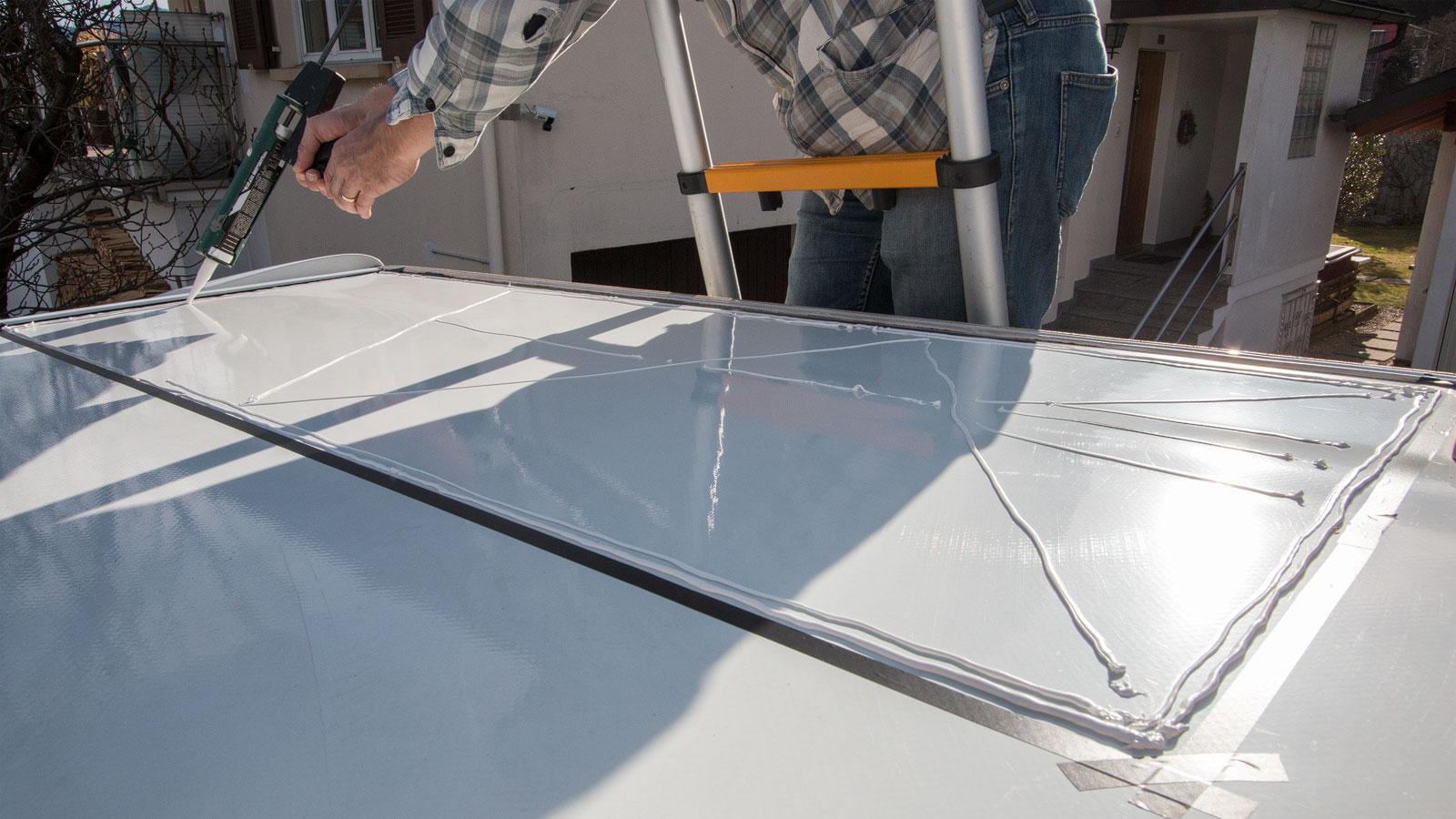 Solarpanels kleben