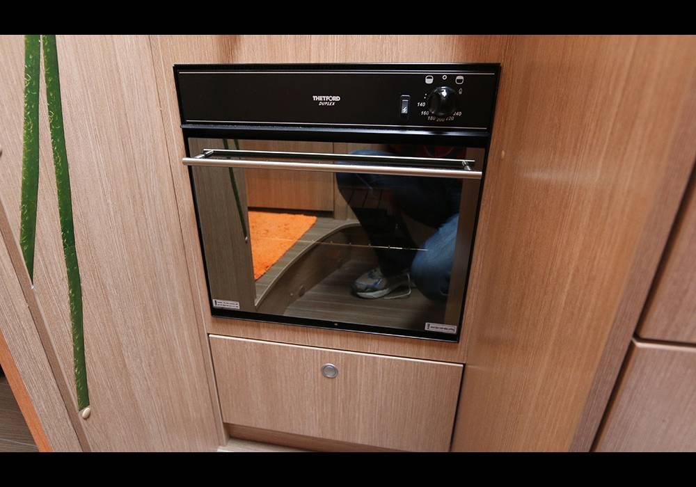 erfahrungsbericht backofen thetford duplex. Black Bedroom Furniture Sets. Home Design Ideas